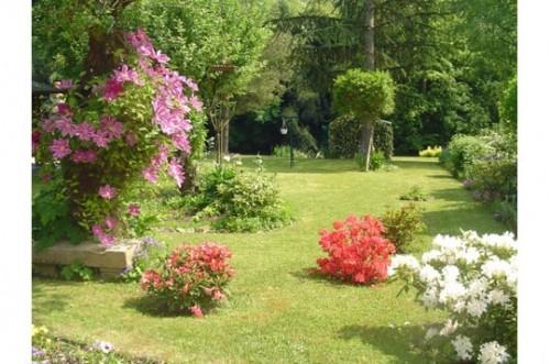 Jardin fleuri.jpg