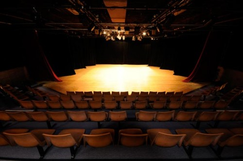 salle_theatre.jpg