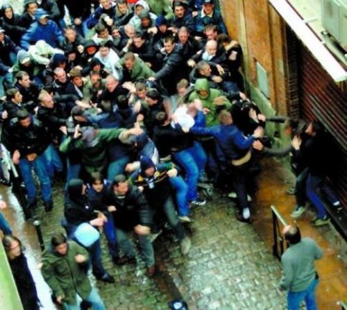 bagarre de supporters.jpg